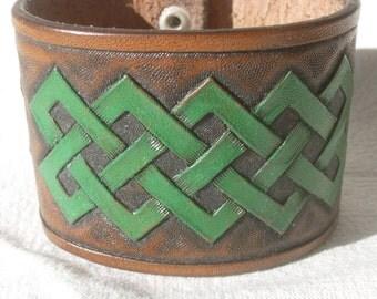 "Leather Cuff Bracelet ""Celtic Bold"", hand carved"