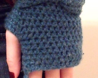 Fingerless bow gloves