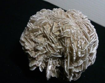 Mineral, gypsum of Mexico ball