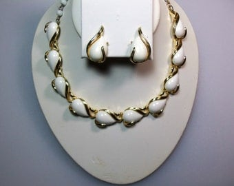 Vintage Gold Tone White Thermoset Necklace and Clip Earrings Set Marked Coro