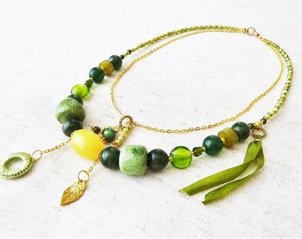 Green necklace double row with silk ribbon, beads ceramic, acrylic, gold metal and thin string