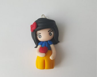 """Adorable necklace Doll """"Blanche neige"""""""