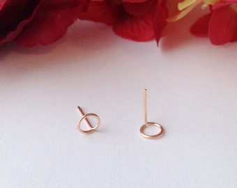 Small Circle Stud Earrings, Minimal Earrings.