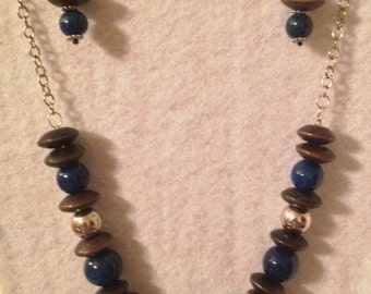 Costume jewelry- Necklace in blue