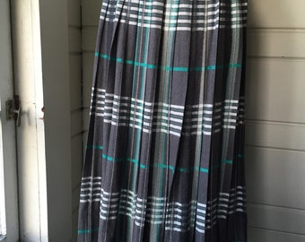 Vintage wool pleated skirt