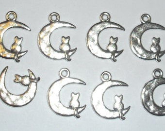 10 x Cat and Moon Charms *25mm*Tibetan Silver*et*