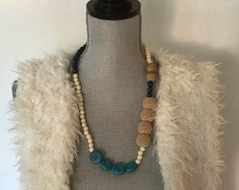 Turquoise & Cream bead necklace