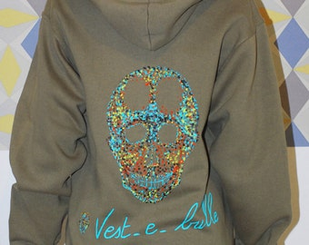 """Skull hand painted Khaki, """"vest-e-bubble"""" sweat, woman, with hood and zipper. Size 38/40 (M)."""