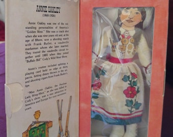 "Hallmark Annie Oakley Collectible Doll ""Famous Americans"" series 1 1979"