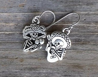 Calavera Catrina Day of the Dead earrings / Silver Skeleton earrings / Dia de los Muertos earrings / Halloween earrings
