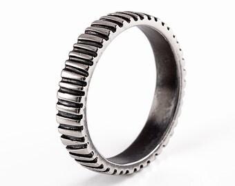 RITMO Oxidized Sterling Silver Wedding Band, Alternative Unisex Wedding Band for Men Women, Black Silver Wedding Band