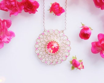 Zabett Flower Necklace Neon Pink