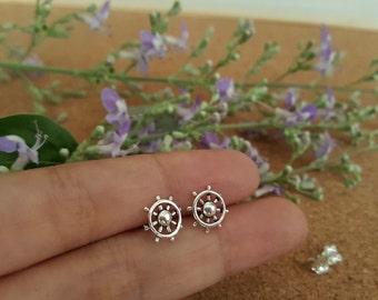7 mm Sterling Silver Ship Wheel Earrings - Tiny Ship Wheel Earrings - Captains wheel earrings - Nautical stud earrings - Wheel earrings