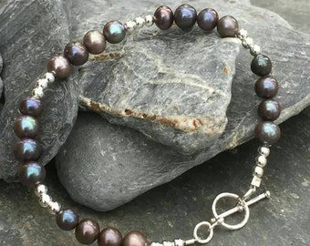Grey Freshwater pearl and sterling silver bead bracelet