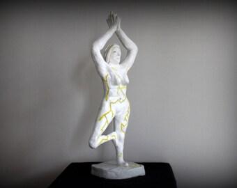 Clay Sculpture - Yoga Lady / Sculpture en Terre - Yoga Jeune femme