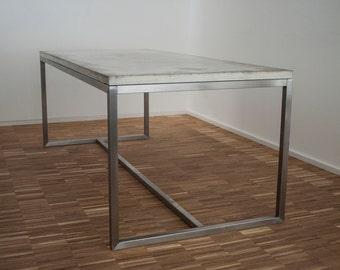 Konferenztisch / Schreibtisch / Esstisch - Beton und Edelstahl