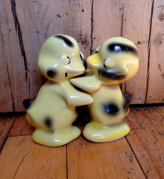 Items similar to vantelligen hugging duck salt and pepper - Hugging salt and pepper shakers ...