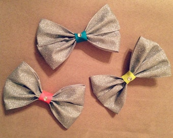 Silver bow with color