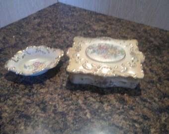 Jewelry dresser set