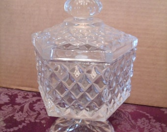 Vintage Clear crystal Glass Bowl With Lid ( Candy Dish), (# 170/10)