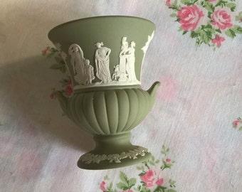 vintage wedgewood green jasperware urn