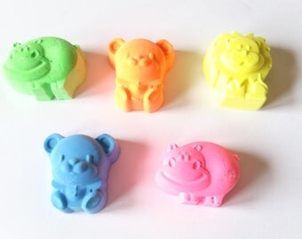 Handmade Sidewalk Chalk, Animal Shapes, Set of 5 Bright Colors, Birthday Party Favors, Gift, Outdoor Activity, Arts and Crafts.