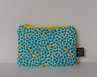 Purse with yellow zipper