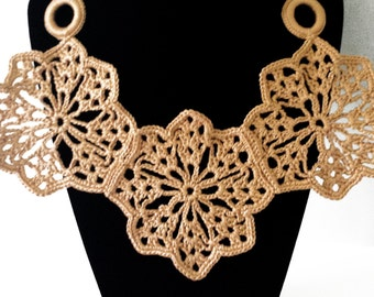 crochet flowerdesign necklace.