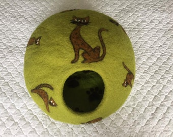 Felted Cat cave with little cats