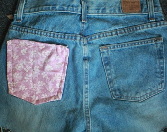 size 5/6 old navy jean cut off with fabric pocket