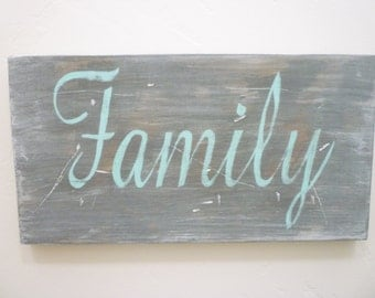 Family Sign, Distressed Wood Sign, Rustic, Farmhouse, French Country, Shabby Chic, Cottage Chic, Vintage, Gallery Wall Decor
