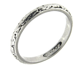 Platinum Antique 1920 Hand Carved Wedding Band Ring