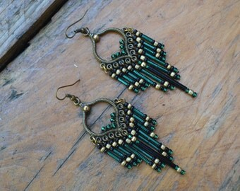 Ethnic earrings in seed beads