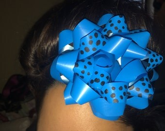 Blue dotted hair clips