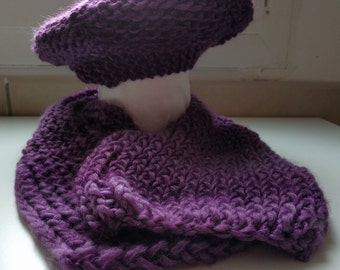 Purple scarf and beret set. Knitted. Button: handmade