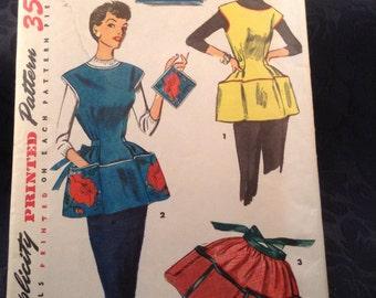 Vintage (1953) Simplicity Printed Pattern #4492 - Misses and Women's Cobbler Apron, Half Apron and Pot Holder