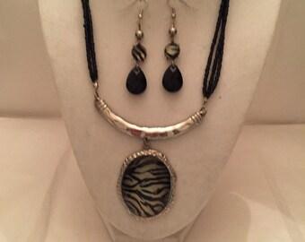 Zebra Pendant Jewelry Set
