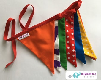 Bunting flags – rainbow bright