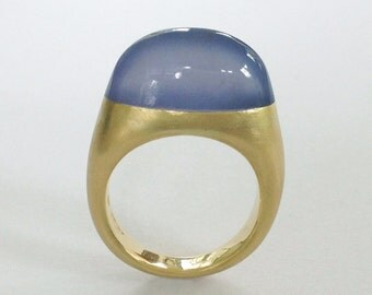 Gold Ring with a Namibian Chalcedony - 18k Yellow Gold - Dalben Design