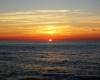 Picture of sunset over the horizon