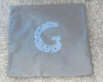 Custom cushion initial 40 X 40