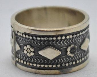 T13E04 Vintage Art Deco Styl Floral Diamond Pattern 925 Sterling Silver Ring Sz 8.25 Mexico