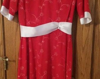 Red Cape dress mennonite