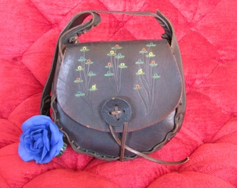 TOOLED HIPPIE PURSE, 1960 Flowered Hippie Leather Purse, Dark Brown Retro Leather Bohemian Hand Bag, Made in Spain, A Piece of Pop Culture