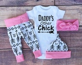 Baby Girl Coming home Outfit, Daddy's Other Chick, Arrows Outfit, Arrows,Light Pink with Black Arrows,baby girl,leggings,hat,Headband