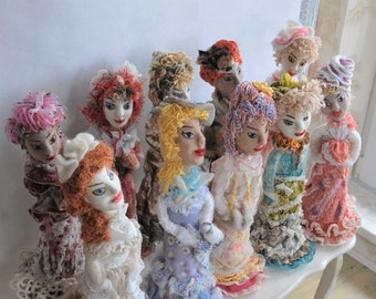 "Personalized felted dolls-sculptures collection ""A la vintage"""