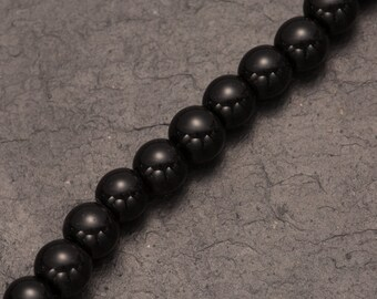 Black onyx, semi precious stones, black beads, round natural stones, gemstone beads, strand of beads, jewellery making, jewelry design, diy