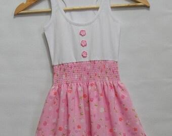 Sleeveless Dress with smoking decorative at waist