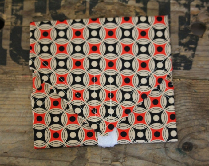 Beeswax Food Wrap - Sandwich Wrap - bold red and black
