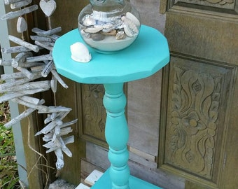 Beautiful round shaped plant stand / side table / end table / display table